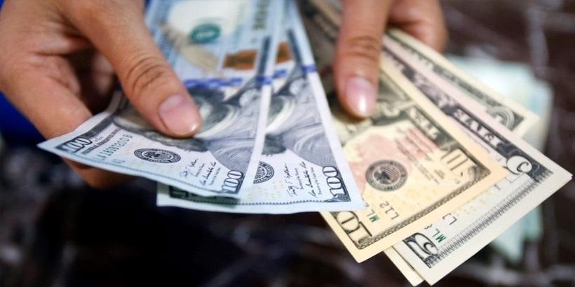 Белорусы вянваре-ноябре продали валюты больше, чем приобрели