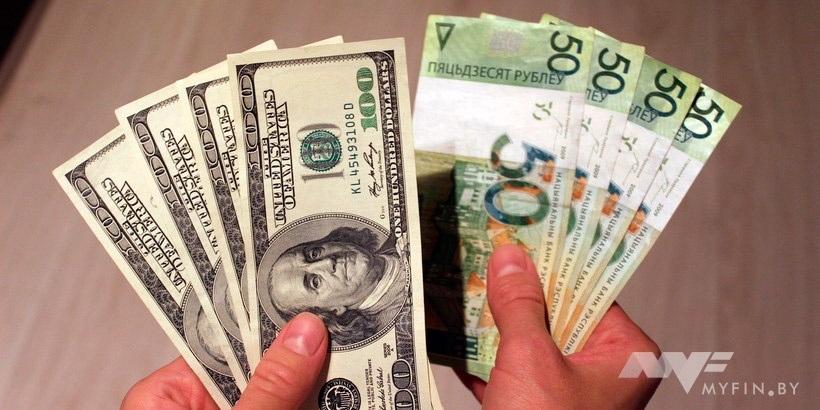 Белорусскому рублю угрожает госдолг. Ждать ли девальвации?