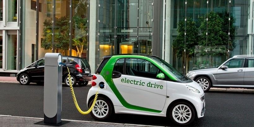 Проблему с зарядкой электромобилей решат за пару лет