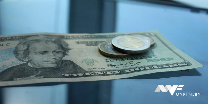 Прогноз по валютам: доллар и евро рекордно подешевеют в середине сентября