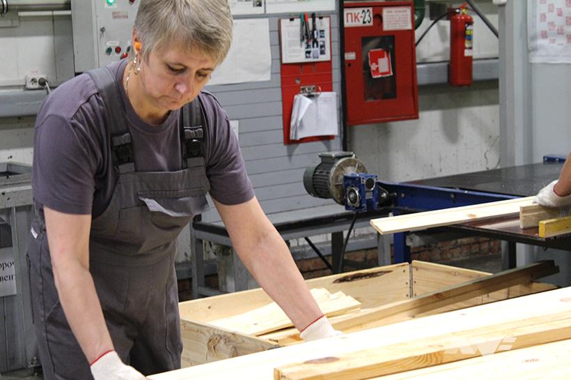 Сколько платят борисовчанам на производстве мебели для IKEA и заводе медпрепаратов 8