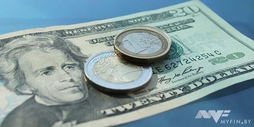 брал кредит в долларах