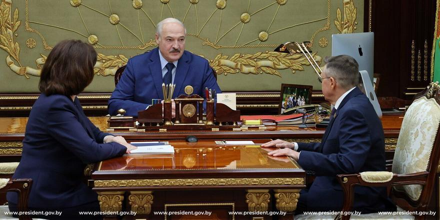 «Нутром чую, что есть нефть». Лукашенко рассчитывает нарастить добычу нефти