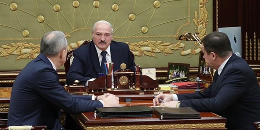 Лукашенко возмущен закрытием границы Россией: «А вдруг вирус в трубе с нефтью или с природным газом?»