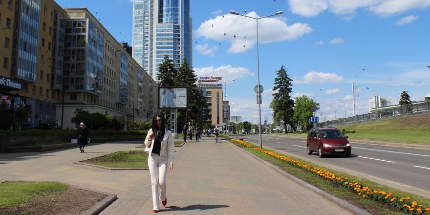 Доходы белорусов упадут на 25%, будем платить «налог на войну с Западом» – эксперт о санкциях