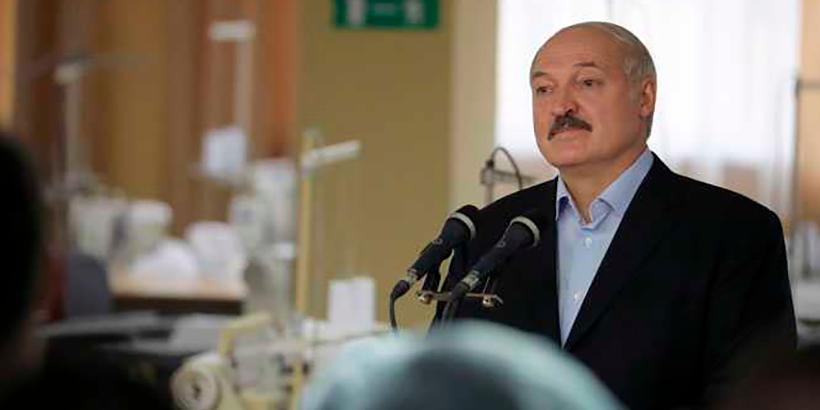 Лукашенко не видит оснований отменять субботник: «Это святое дело»