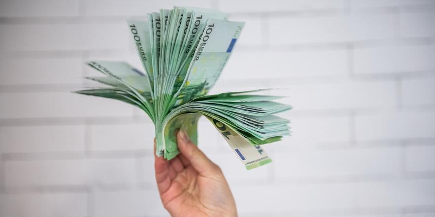 Почти $2000 на каждого белоруса: внешний долг вырос на рекордные $1,4 млрд
