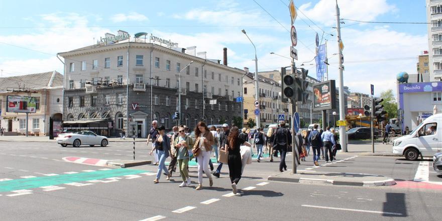 Сколько белорусов на самом деле зарабатывают больше $500 в месяц. Одной картинкой