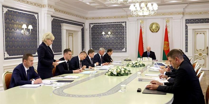 Лукашенко рассказал, что будет с пенсиями, помощью многодетным и семейным капиталом